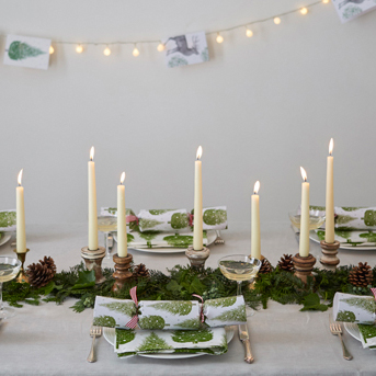 Thornback-and-Peel-Christmas tree table setting featured